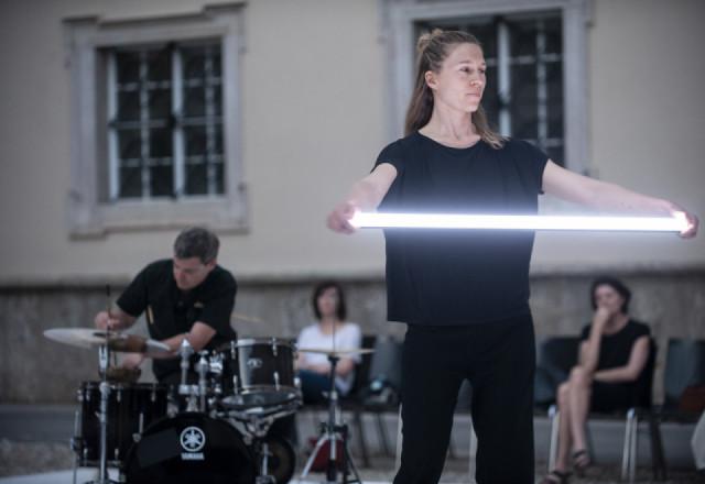 """Mette Ingvartsen & Will Guthrie """"All Around"""", Sommerszene 2021"""
